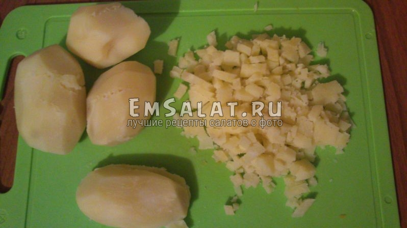 картофель нарезанный кубиками