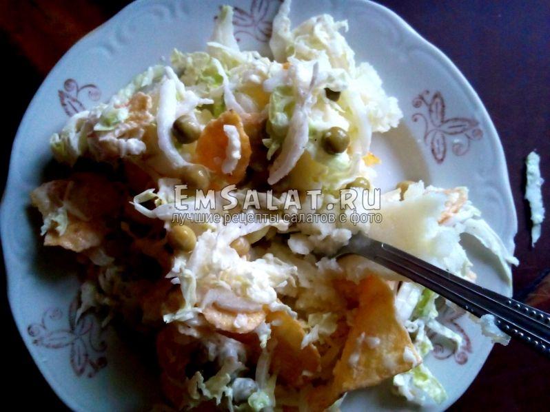 картофель под кожухом салатной смеси