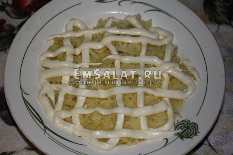 майонез, картофель, сеточка - как делать салат мимоза