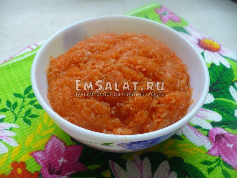 Детский салат с морковью и яблоком