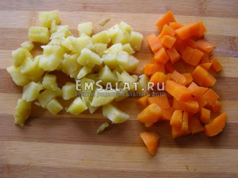 отварные овощи - морковь и картофель