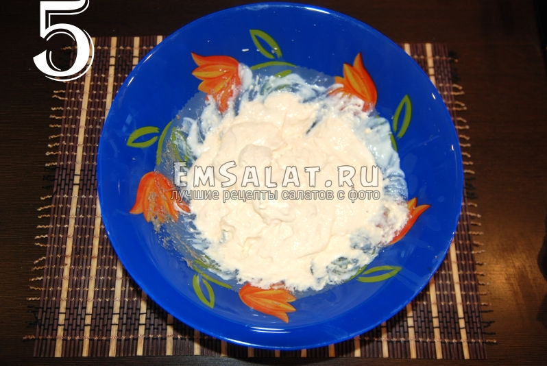 Плавленый сыр и несладкий йогурт после блендера.