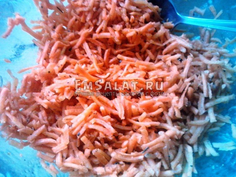 Приготовленная морковь по-корейски
