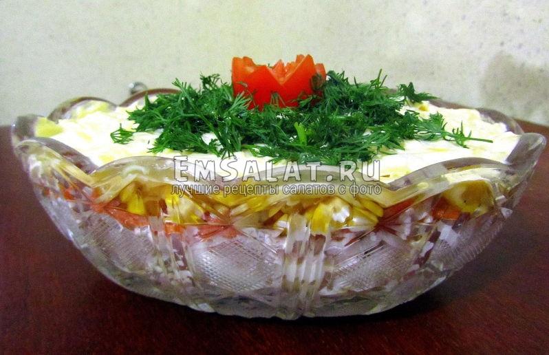 слоеный салат из филе индейки