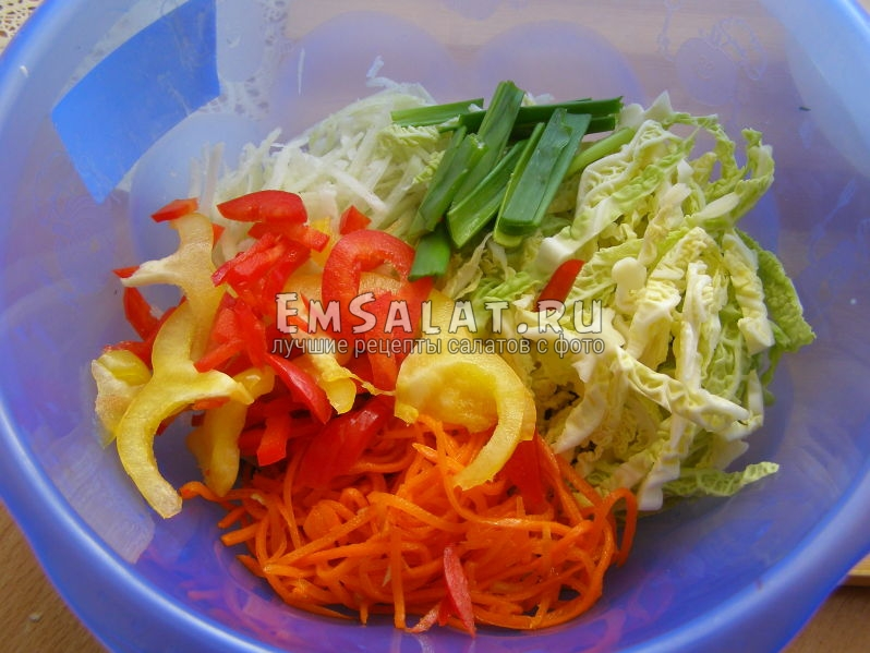 добавим к продуктам корейскую морковку
