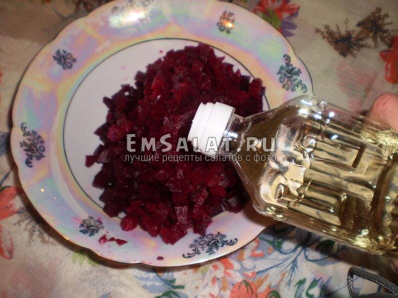 Секрет сохранения красивого цвета в салате винегрет