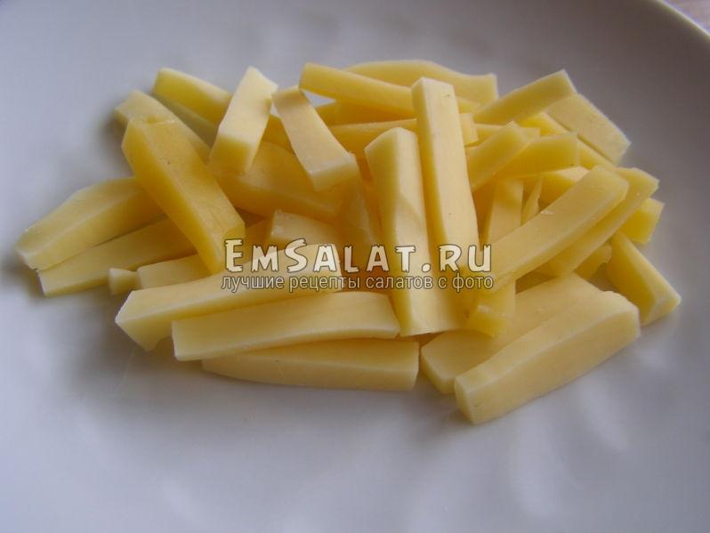 сыр нарезан брусочком