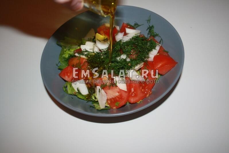 добовления оливкового масло в салат