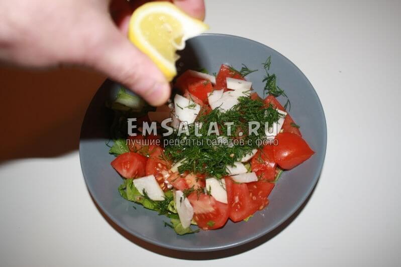 добовления лимоного сока в салат