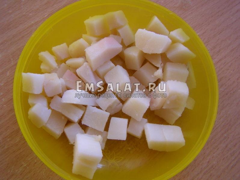 кубики картофеля отварного