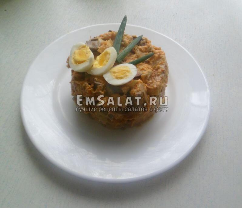 Салат из печени и омлета