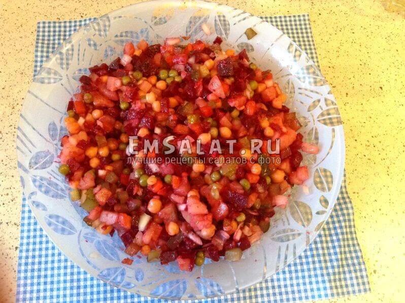 Заправленный салат