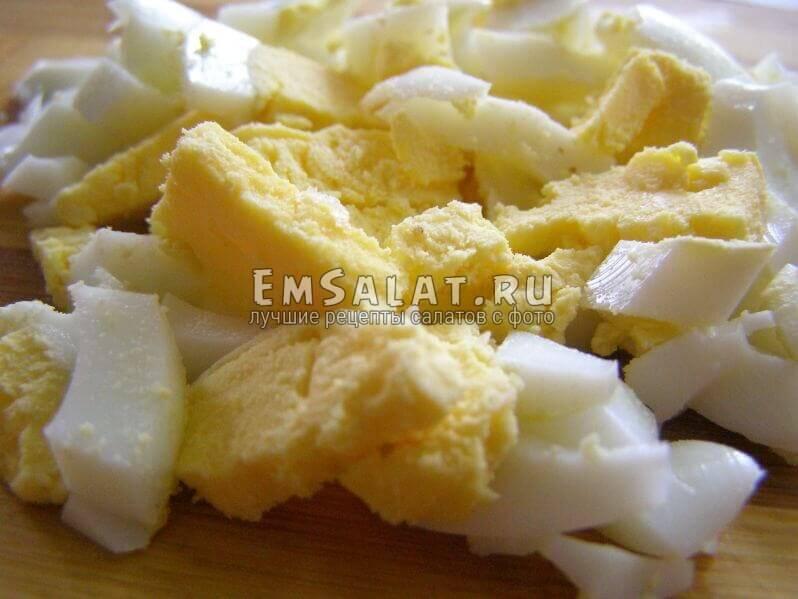 кусочки яйца