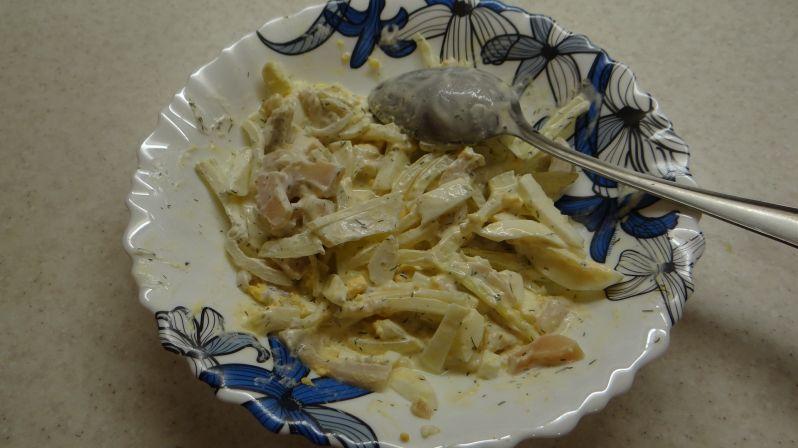салат с маринованными груздями