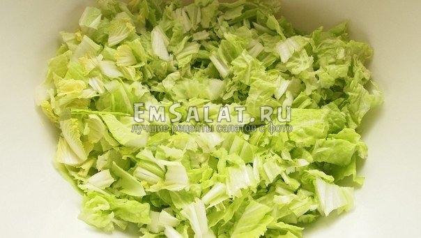 рецепт салата из пекинской капусты с сухариками