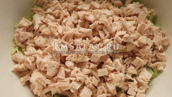 салат пекинская капуста курица сухарики