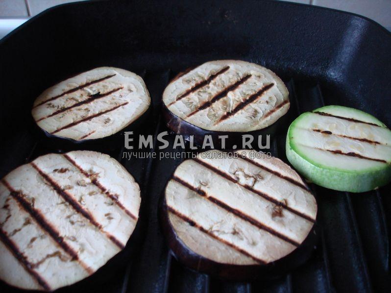 баклажан и кабачки на сковороде-гриль