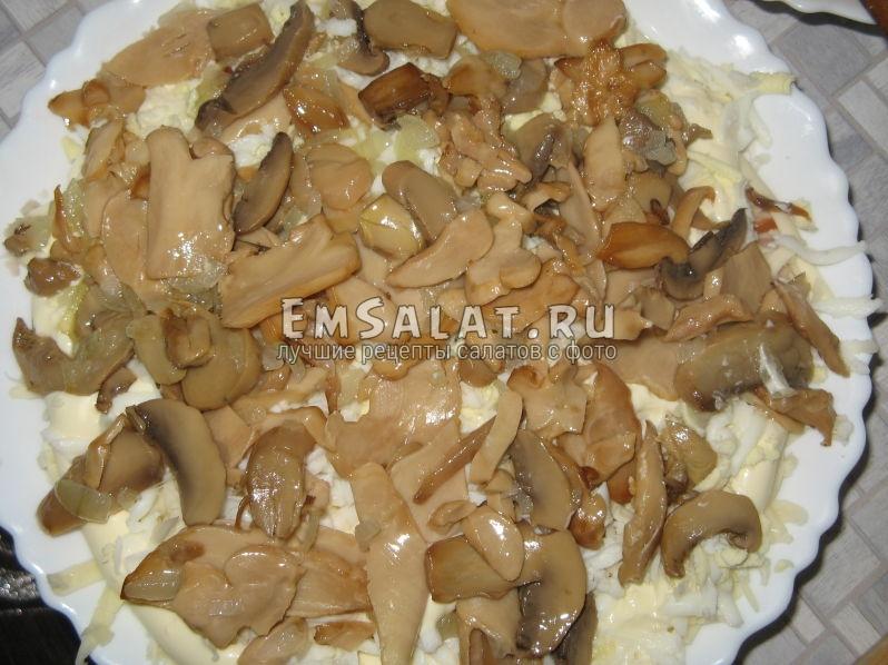 грибной слой салата