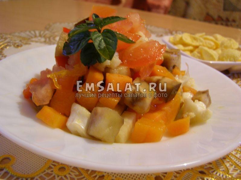 какая красота получилась - готовый салат вкусный и сытный