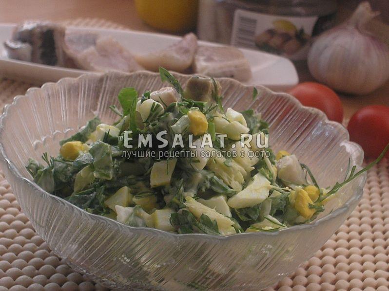 на этой картинке мы видим разложенный порционно салат