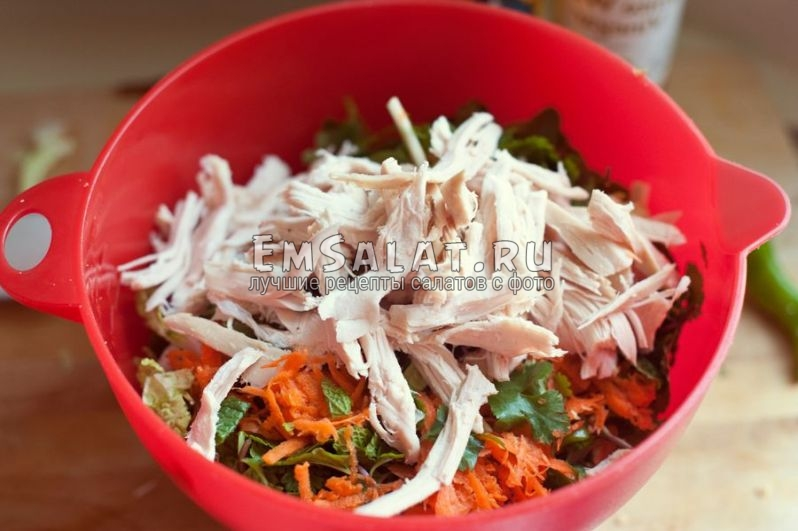 Добавляем грудку в салат