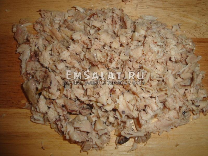 мелк порезанная отварная куриная грудка