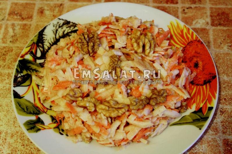 Витаминный яблочно-морковный салат