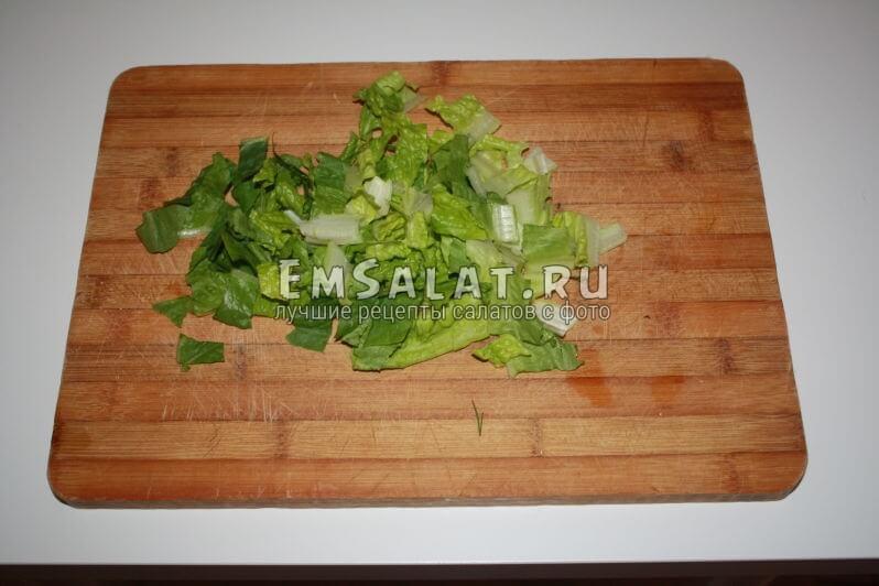 нерезаные листья салата