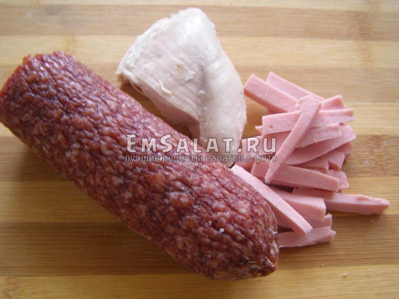 отварная грудка куриная и колбаса
