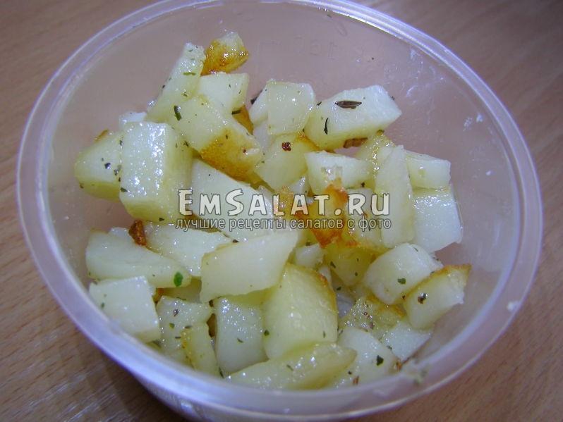 опджаренные кусочки картофеля