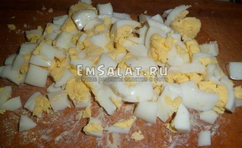 Порезанные яйца