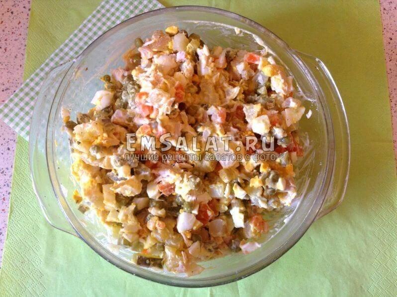 готовый салат оливье без украшения