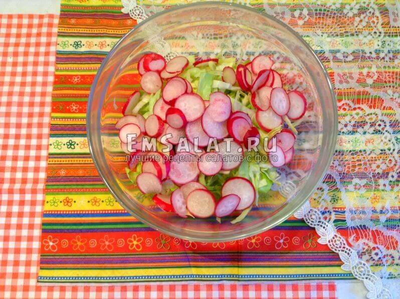 капуста и редис для салата