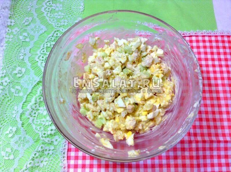 готовый салат из курицы