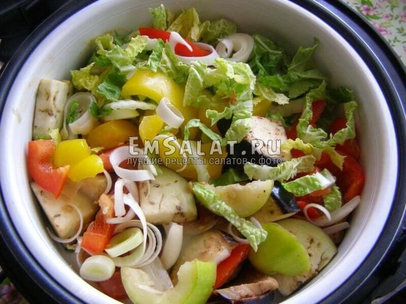 сложенные овощив пароваврке