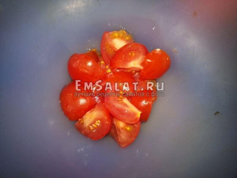 нарезнный помидор