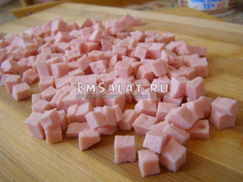 кубики колбасы