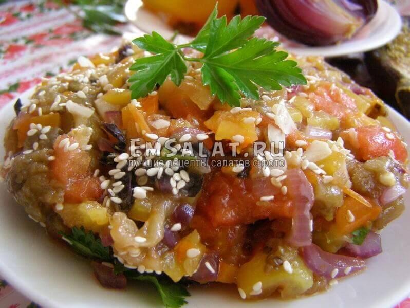 Острый салат из запеченных овощей, презентация